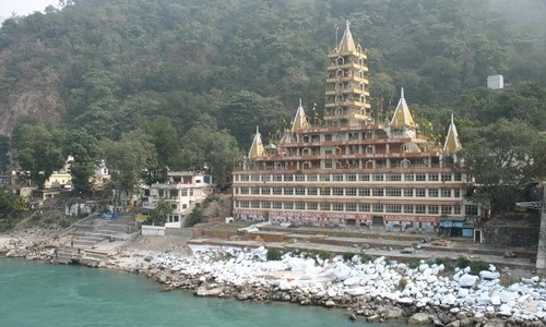 Rishikesh Tourist & Pilgrimage Guide- The Yoga Capital of World