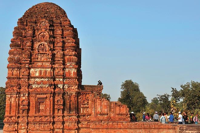 Sirpur Tourist Guide - An Archeological Wonder