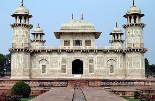 Jhansi Historical Tour Guide