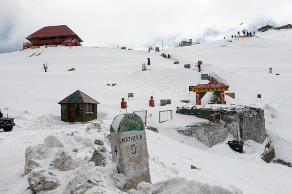 Eastern Himalayan Summer Holidays Package India - Highest Motorable Mountain passes destination in India – Oldest Monasteries land in Sikkim India