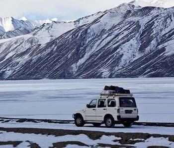 Manali Leh Jeep Safari Tour package Covering Rohtang Pass, Khardung La, Tanglang La, Changla La