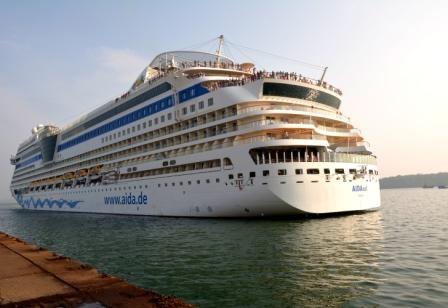 Goa Luxury Cruise Holiday Package