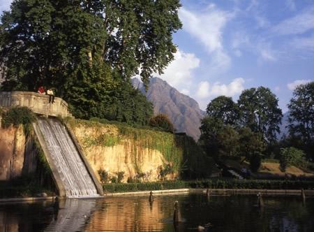 Kashmir Tour Package - Srinagar Pahalgam Gulmarg Leh Ladakh Tour Deals