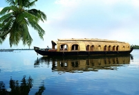 Kerala Alleppey Backwaters Cruise with Munnar Hills - Kerala's Best Tourism Circuit