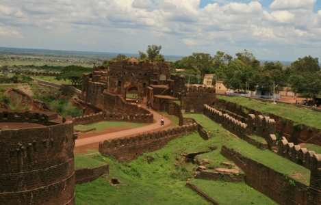 Bangalore Hampi Bijapur Tour Package – 4 Nights at Jewel of Karnataka – Garden city of India - Heritage sites