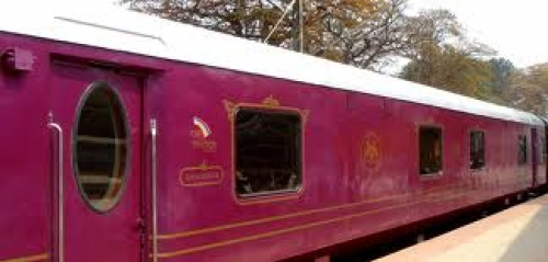 Golden Chariot India Train Package at Cheapest Deals