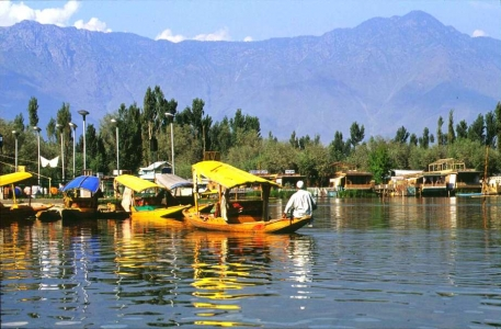 Mystical  Srinagar Gulmarg Pahalgam tour Package@ Rs.11490/-Per Pax For Min 4 Pax
