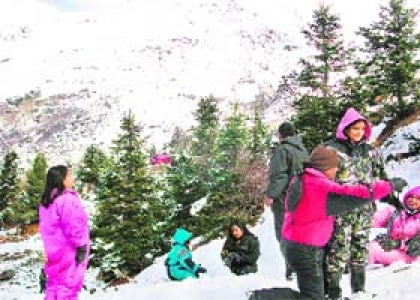 Shimla Manali Tour package from Kolkata Dhaka  including Agra Taj Mahal Site seeing