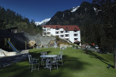 Apple Country Resort Manali - Honeymoon and Holiday Package