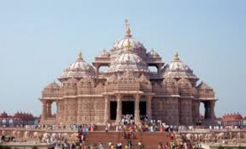 Ultimate Indian Odyssey in the Hinterland - Delhi Varanasi Khajuraho Agra Jaipur Udaipur Jaisalmer tour package
