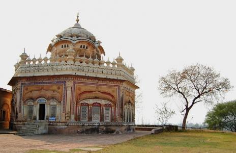Sikh pilgrimage Tour of Sri Takht Keshgarh Sahib Anandpur sahib and Nearby Gurudwaras