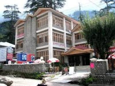 Hotel Kunzam Manali