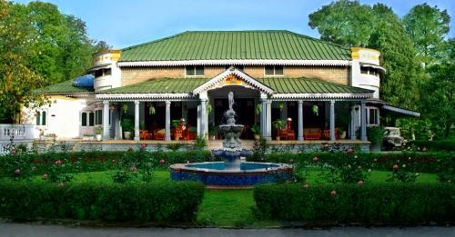 India best Royal Holidays in Dharamshala Mountains - Taragarh Palace Royal Heritage Retreat Holidays