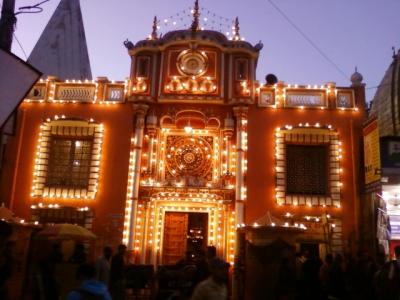 Raghunathji Temple Kullu Tour  Package with kullu Dussehra Bijli Mahadev kasol and Malana Village