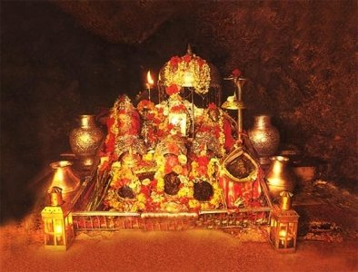 Vaishno Devi Tour Package from Mumbai Kolkata Delhi with Patnitop Shivkhori Excursion & Jammu Site Seeing