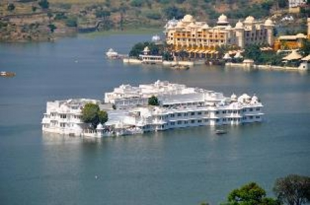 Rajasthan Honeymoon Tour Package with Udaipur and Mount Abu