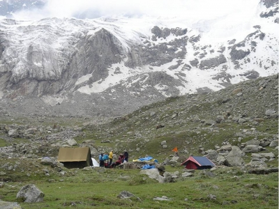 Manali Trekking-Manali-Hamya Herbal trek Package- Trekking in Manali