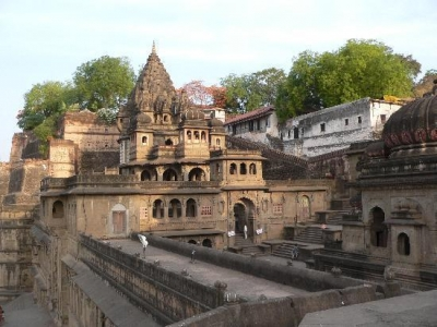 Ujjain Omkareshwar Package with Maheshwar Mandu