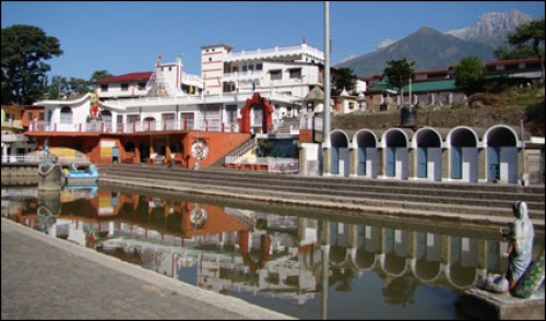 Chamunda Devi Temple Himachal Tour Package