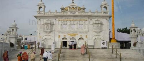 Sachkhand Sri Hazur Sahib Tour package with Ajanta Ellora Caves Site Seeing