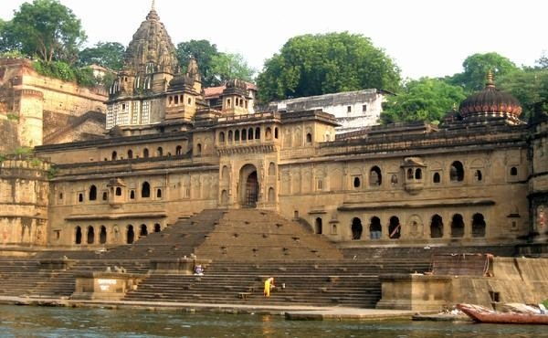 Maheshwar Tourist Guide & Packages