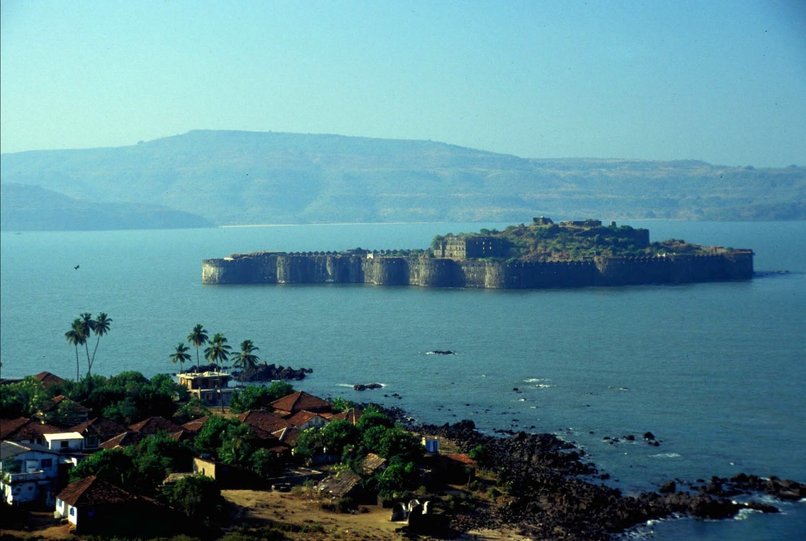 Alibaug Tourist Guide - Most Unrated Yet Intoxicating Holiday Destination