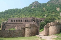 Bhangarh Fort Tourist Guide