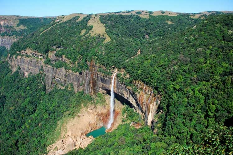 Meghalaya Tourist Guide - One of the wettest places of the World.