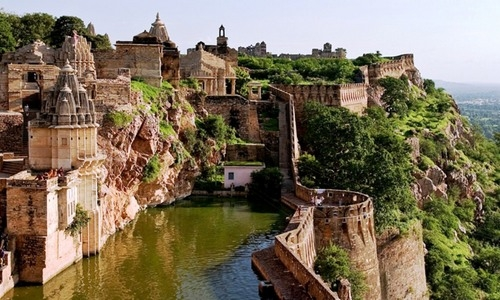 Chittorgarh Historical tourist Guide