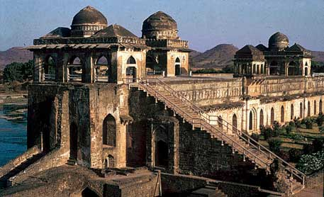 Mandu Site Seeing Tourist Guide