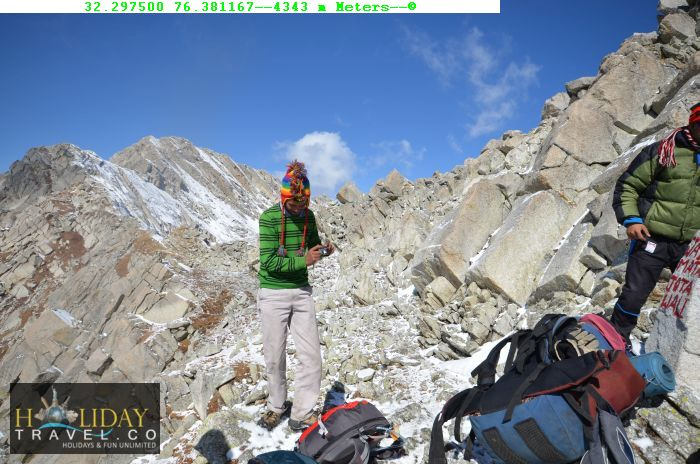Indrahar-pass-Trek-Guide-At4345meters-IndraharPassTop