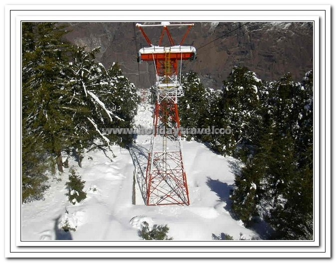 Auli - Gigantic Towers suporting the Cable cars enroute to Top