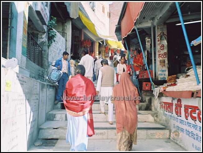Bababalaknath_StairstoBabajiTemple