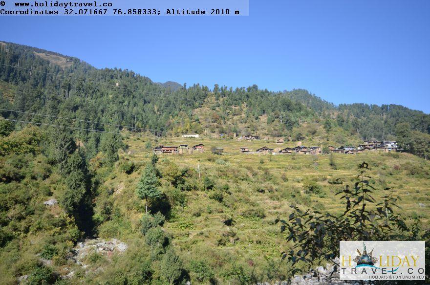 Barot-To-Lohardi-Village-Route-Approaching-Lohardi-Village-VillageHouses-on-Mountain