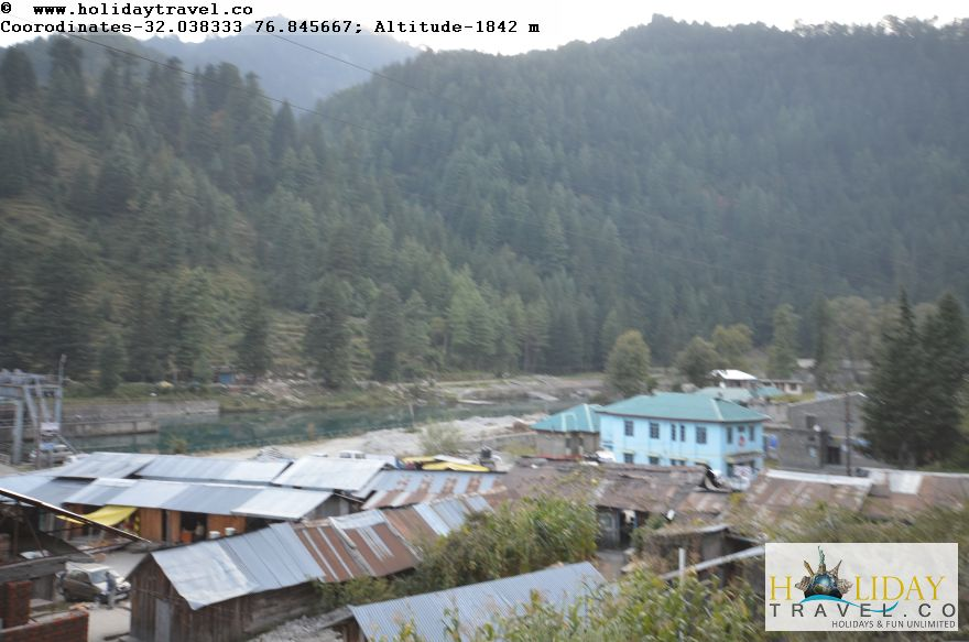 Barot-Village-In-Evening-Breathtaking-View1-Holidaytravel.co