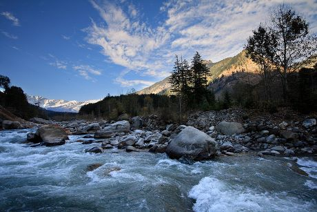 Beautiful-Manali-Travel-in-Summer-Winter (460x307)