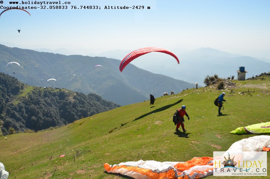 Billing-Himachal-India-World-Top-Paragliding-Site-Para-gliders-In-Action-1