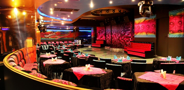 Bollywood-Dreams-Jalwa-Night-Club-Smana Al Raffa Hotel Dubai