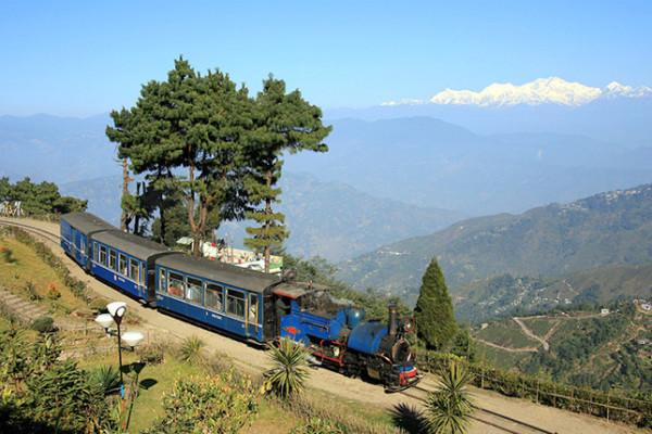 Darjeeling Tour Packages By Train