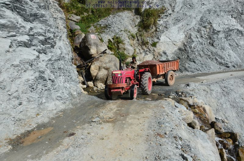 DiasappearingTreksKareriVillage_RoadUnderConstruction