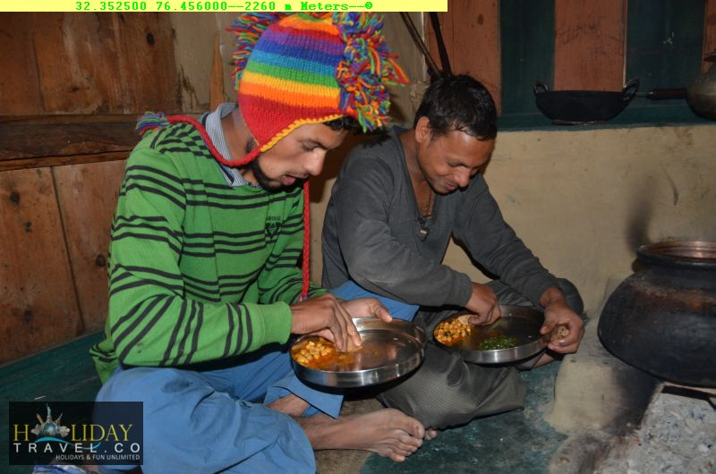 IndraharPassTrek-Reached-QuarsiVillageHomeStay-Warm-Meals-For-TiredTrekkers-Finally-A-Hot-Meals-After-5-days