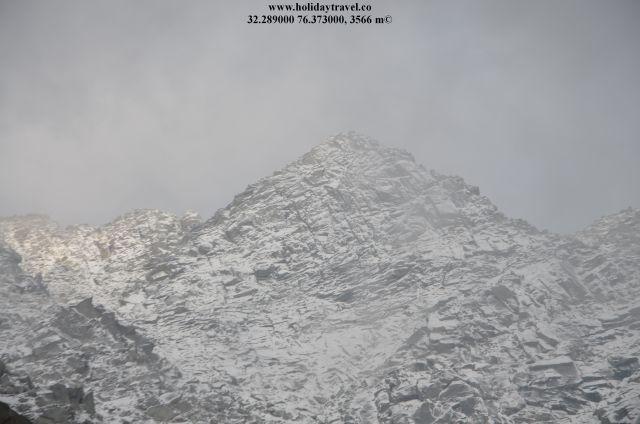 Indrahar-pass-Trek-Guide-IndraharPass_MajesticViewInOctober_CloseUp