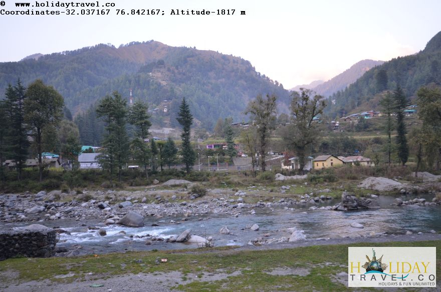Is-it-Kashmir-No-It-is-Barot-Village-In-Evening-Breathtaking-View3-Holidaytravel.co-