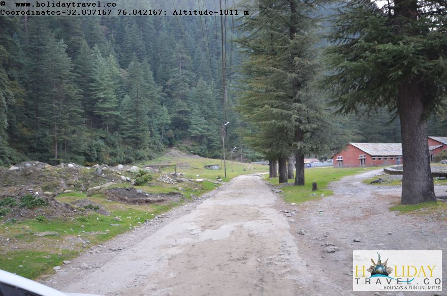 Is-it-Kashmir-No-It-is-Barot-Village-In-Evening-Breathtaking-View4-Holidaytravel.co-