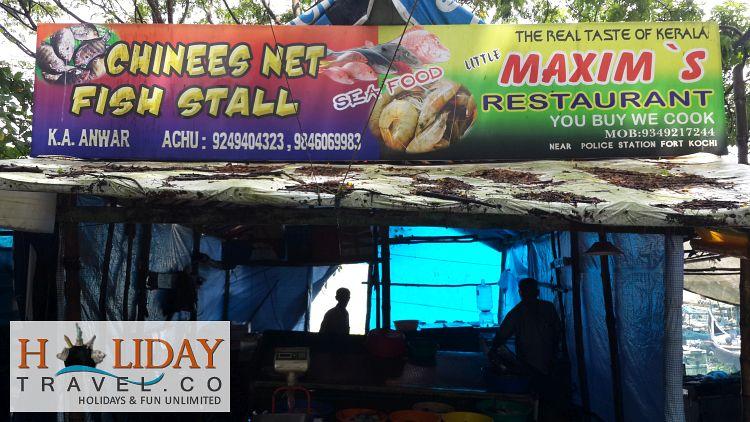 Kochi-Fish-sellers-On-Beach-1