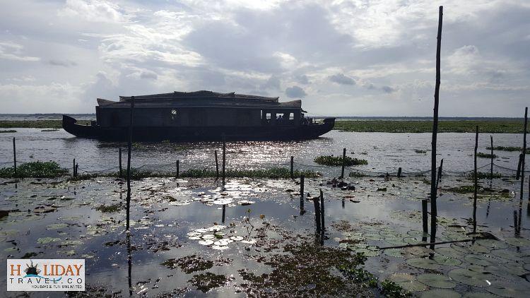Kumarakom-Most-Beautiful-Backwaters
