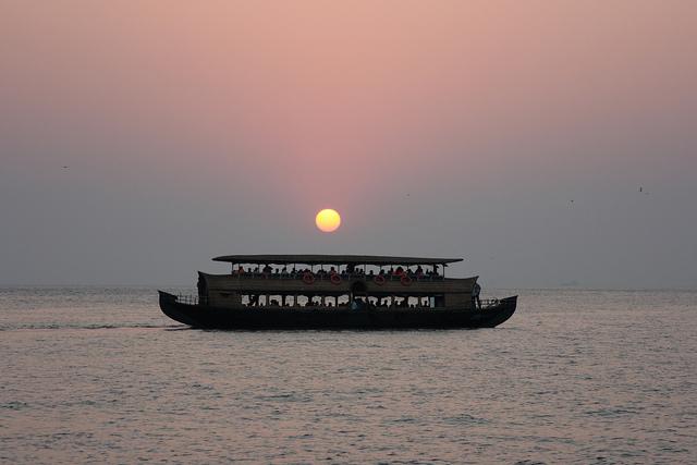 Kumarakom-Sunset-Cruise