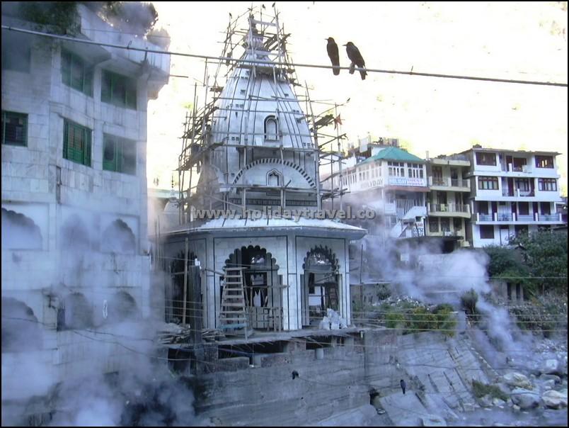 Manali_ManikaranGurudwara_SteamingRiver