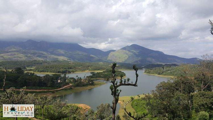 Munnar-First-View-From-Road