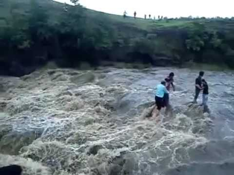 Patalpani_Waterfall_Tragedy_Photo